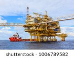 offshore oil and gas central... | Shutterstock . vector #1006789582