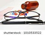 medical doctor  ...   Shutterstock . vector #1010533522