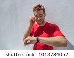smartwatch fitness athlete... | Shutterstock . vector #1013784052