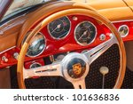 Постер, плакат: A 1959 Porsche Convertible