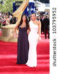 Постер, плакат: Kourtney Kardashian and Kimberly