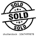 sold round grunge black stamp | Shutterstock .eps vector #1067499878