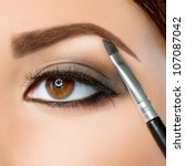 Постер, плакат: Make up Eyebrow Makeup Brown Eyes