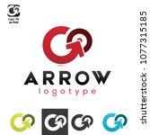 vector go arrow to center... | Shutterstock .eps vector #1077315185
