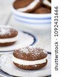 whoopie pies or moon pies ... | Shutterstock . vector #1092431666
