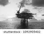 offshore oil and gas wellhead... | Shutterstock . vector #1092905402