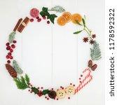christmas minimalist wreath...