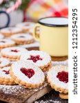 Linzer Cookies With Raspberry...
