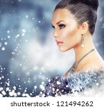 Winter Woman In Luxury Fur Coa...
