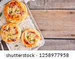 Mini Pizza With Sausage  Top...