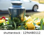 Burial Urn With Yellow Roses ...