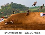 Постер, плакат: Status of motocross riders
