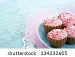 Pink Chocolate Cupcake Pralines ...