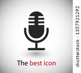 microphone vector icon  web...