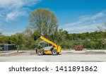 Yellow Modern New Forklift In...