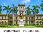 Kamehameha Statues And State...
