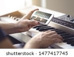 Piano Lesson Online. Man...