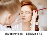 Stylist Makes Makeup Bride On...