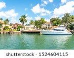 Luxurious House In Miami Beach...