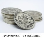 1922 Australian sterling silver Florin bearing the Southern Cross Coat of Arms held up by the Kangaroo and Emu. Also know as a Two Bob or Two Shilling, made from 92.5% silver
