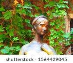 View Of Juliet Capulet Statue ...
