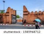 Tha Phae City Gate Into The Ol...