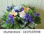 Close Photo Of A Bridal Bouquet ...