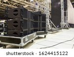 Flight Cases With Line Array...