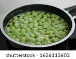 Green Broad Bean   Fava Bean...