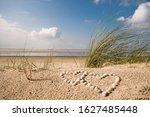 Holiday Love  Wonderful Dune...