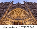 Barcelona Cathedral   Low Angle ...