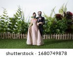 Miniature People   Happy Bride...