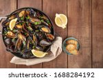 Marinara Mussels  Moules...