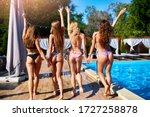Hot Pretty Girls In Bikini...