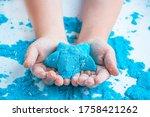 Kids Creativity. Kinetic Sand...