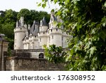 Castel Of Rigny Usse   Known A...