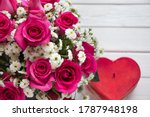 Pink Roses Bouquet With Red...