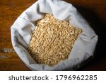 Small photo of The husks are the first skin of the rice grain, the protection of the grain itself and constitute about 20% of the total weight.they are used for the production of heat or energy.