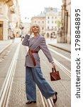 Street Autumn Fashion Portrait...