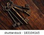 antique skeleton keys on rustic ... | Shutterstock . vector #183104165