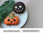 Cute Halloween Donuts Treat...