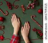 Christmas Manicure. Red Nails ...
