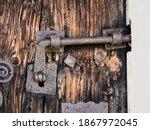 A Very Old Rusty Door Lock On A ...