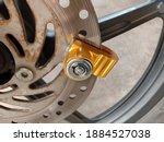 Key Of Disc Brake Lock At Front ...