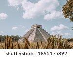 Chichen Itza Pyramid Ancien...