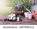 Outdoor Garden Bench With White ...