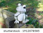 White Funny Frog Statue Sitting ...