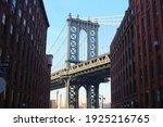 Down Under Manhattan Bridge ...