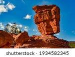 The Balanced Rock, Leaning Rock. The Garden of the Gods, Colorado, USA