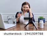 Nutritionist Woman Talking...